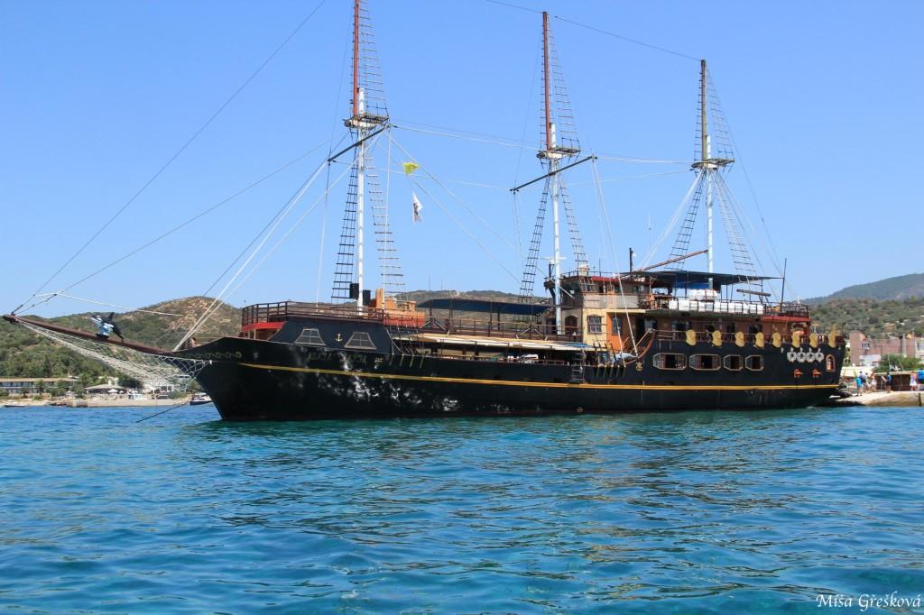 loď / ship
